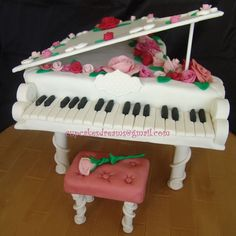 CLASSIC PIANO TUTORIAL - by AnaRemigio @ CakesDecor.com - cake decorating website