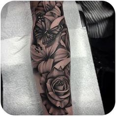 Halbarm Tattoos Unterarm – tattoos for women half sleeve Arm Sleeve Tattoos For Women, Shoulder Tattoos For Women, Full Sleeve Tattoos, Tattoo Sleeve Designs, Tattoo Sleeves, Family Sleeve Tattoo, Half Sleeve Rose Tattoo, Shoulder Sleeve Tattoos, Butterfly Sleeve Tattoo