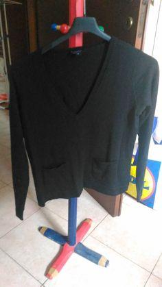 Lotto 46*maglione come nuovo taglia M con piccole tasche sul davanti Pryect asta parte da 3,00 euro il prezzo lo fate voi!!!
