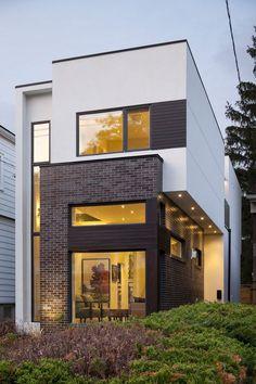 Vamos a conocer el diseño de una moderna casa de dos pisos construida en un terreno de 155.00 m², el poco ancho de la casa (6.00 metros) no ha sido óbice para que los diseñadores lograran hacerla l…