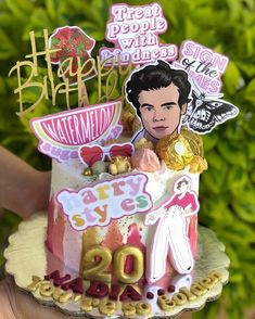 Bolos One Direction, One Direction Birthday, One Direction Cakes, Harry Styles Birthday, Harry Birthday, 28th Birthday, Sweet 16 Birthday, Birthday Cake, Birthday Goals