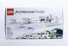 世界中の様々な有名建築を作れることで人気のLEGO ARCHITECTUREシリーズから、既存の建築ではなく、白いブロックを使っ...