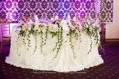 decor elesyum Flower Decorations, Wedding Decorations, Table Decorations, Reception, Flowers, Furniture, Home Decor, Floral Decorations, Decoration Home