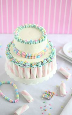 Marshmallow Candy Swirl Cake made with Puffy Poles marshmallows and Candy Necklaces Sprinkle Bakes Pretty Cakes, Cute Cakes, Beautiful Cakes, Yummy Cakes, Amazing Cakes, Cakes To Make, How To Make Cake, Candy Cakes, Cupcake Cakes