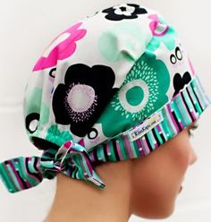 These designer quality surgical scrub caps by KimKaps feature an elastic back with fabric ties for knots or bows. Perfect for adding style to your scrubs. Sewing Hacks, Sewing Tutorials, Sewing Projects, Scrub Hat Patterns, Scrubs Pattern, Sewing Headbands, Surgical Caps, Scrub Caps, Free Sewing