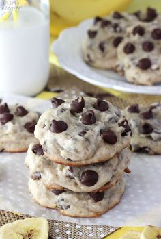 Banana Chocolate Chip Cookies - dense, moist and chewy cookies full of banana and chocolate chips! Not at all cakey! Can sub canna butter - drop to 220 and cook 35 mins or so Banana Cookie Recipe, Banana Chocolate Chip Cookies, Banana Recipes, Chocolate Chips, Chocolate Muffins, Cookie Desserts, Just Desserts, Cookie Recipes, Delicious Desserts