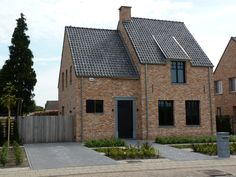 Oude Beerse steen rijnvorm Brick Architecture, French Architecture, Cosy Garden Ideas, Looking Out The Window, House Landscape, New Home Designs, Pool Houses, My Dream Home, Future House
