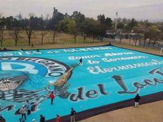 Impresionante: el telón que estrenará la hinchada de Belgrano este jueves