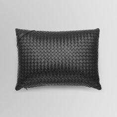 Bottega Veneta _ Black leather Cushion in Intrecciato Nero _