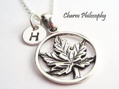Canadian maple leaf necklace in 925 sterling silver. It makes a great gift for those moving to or from Canada, Toronto Maple Leafs fans, and those who support other Canadian sports teams. This necklace includes: - maple leaf charm (size 28 mm, including the bail) - round hand
