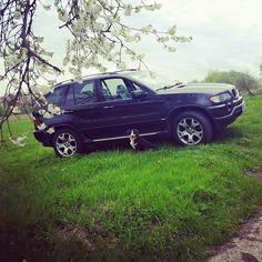 Barbora Lukšová nám opožděně poslala májovou fotku s BMW. Nám se každopádně líbí! Děkujeme.