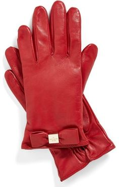 These Kate Spade gloves are the perfect stocking stuffers! #GiftIdeas #GiftGuide