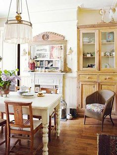 Coastal home filled with upcycled vintage finds – Period Living
