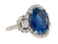 loving this blue sapphire ring. Very similar to Kate Middleton's.