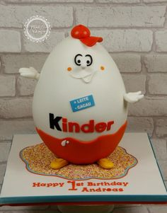 Giant Kinder Egg - Cake by kingfisher