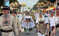 traditional belgium costumes http www gettyimages com