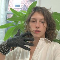 my brother said I should wear one glove and I don't think he's wrong Love People, Pretty People, Gay Aesthetic, Star Wallpaper, Family Show, Genderqueer, Lesbian Wedding, Human Art, Cute Faces