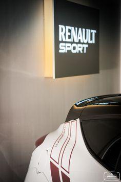 Renault clio 4 bi ton bicolore carrosserie et toit for Garage renault vertus