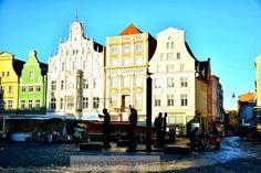 Morgendliches Herbstlicht Neuer Markt Rostock. MONE`S FOTOBLOG: Herbst