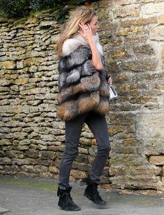Kate Moss in fur via Street Style | LA MODELLA MAFIA