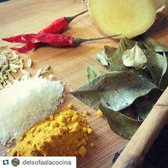 #Repost @delsofaalacocina  Hoy toca chicken curry