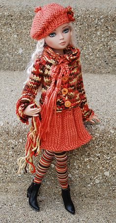custom1 by katechicago82, via Flickr- 6 of 1x1 rib then purl, purl sections gradually decrease to waist