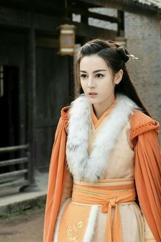 Oriental Dress, Oriental Fashion, Chinese Clothing, Chinese Actress, Cosplay Outfits, Asian Actors, Famous Women, Chinese Style, Costumes For Women