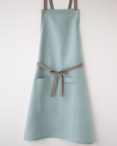 Bib Apron, Apron Dress, Sewing Patterns Free, Free Sewing, Apron Patterns, Dress Patterns, Custom Aprons, Sewing Aprons, Linen Apron