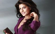 Bollywood famous actress Jacqueline Fernandez says actresses focussing on roles, not glamour. Jacqueline Fernandez feels that actresses are more focused on getting meaty and quality roles instead of focusing on glamour alone. Jacqueline Fernandez, Hindi Actress, Bollywood Actress, Bollywood News, Beauty Regime, Celebrity Wallpapers, Patrizia Pepe, Perfect Skin, Celebs