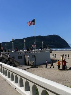 Seaside, Oregon (end of the Lewis and Clark Trail) with Tillamook Head in Background. ✮