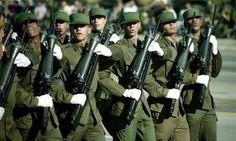 Cuban intervention in Angola - Google-Suche Havana, Cuban Army, Fidel Castro, Armed Forces, Revolutionaries, The Man, Military, Men, Latin America