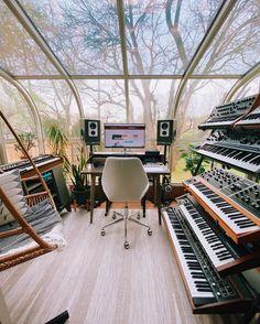 Home Recording Studio Setup, Home Studio Setup, Music Studio Room, Dream Studio, Home Music Rooms, House Music, Interior Exterior, Versailles, Villa