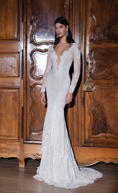 Another show stopping wedding dress by @bertabridal - see the full 2015 exvlusively on Bridal Musings here: http://wp.me/p1qe1h-hb8