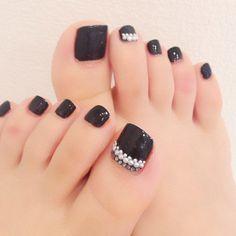Instagram media by ayaruco - #foot #nails #nail #ayanails #laureanail .... #ラウレアネイル #ラウレア #ネイルサロン #ネイル�