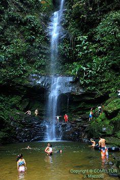 Las #Cataratas del #Ahuashiyacu #reserva natural donde se puede observar mucha vegetación y por supuesto una hermosa caída de agua, a solo 30 minutos de la ciudad de tarapoto.