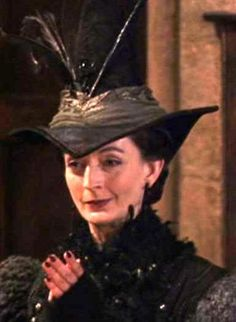 Which Obscure Harry Potter Character Are You I got Madame Pince Harry Potter Cast, Harry Potter Books, Harry Potter Characters, Harry Potter Universal, Harry Potter World, Misty Eyes, Minor Character, Fantastic Beasts And Where, Mischief Managed