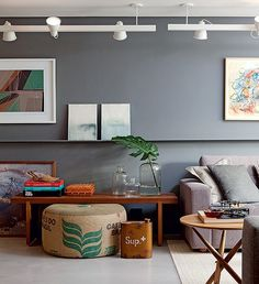 gray wall + beautiful styling #decor #styling #cinza #industrial