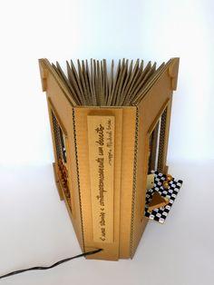 Roberta Lazzarato: Alla Biennale del libro d'artista partecipa la mia lampada-libro in cartone