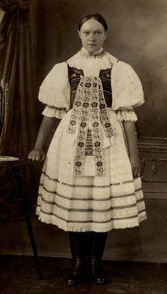 Victorian, Dresses, Art, Fashion, Vestidos, Art Background, Moda, Fashion Styles, Kunst