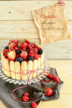 Taste&More Magazine luglio - agosto 2015 n° 15 Sweet Recipes, Cake Recipes, Dessert Recipes, Traditional French Desserts, Sweets Art, Yogurt, Charlotte Cake, Naked Cakes, Berry Cake