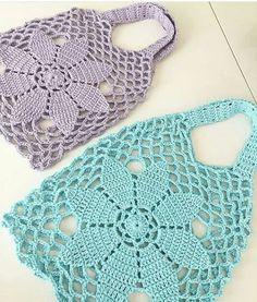 Best 10 Tuto crochet: pretty mesh bags for shopping, easy to make, with its free grid Tuto crochet: pretty mesh bags for – SkillOfKing. Crochet Handbags, Crochet Purses, Diy Crafts Crochet, Crochet Projects, Crochet Basket Pattern, Crochet Patterns, Love Crochet, Crochet Baby, Hand Knit Bag
