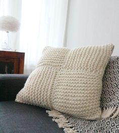 Ohje neulottuun tyynynpäälliseen