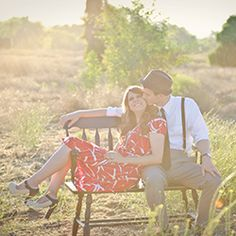 A super sweet retro engagement session