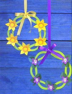 "From the book ""Påskeklip"" by Gitte Schou Hansen, Denmark Paper Flowers Craft, Flower Crafts, Diy Flowers, Winter Crafts For Kids, Spring Crafts, Easter Art, Easter Crafts, Easter Flower Arrangements, Crafts For Seniors"