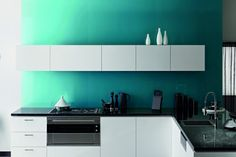 Splashback in Laminex Metaline Lagoon Metallic.