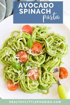 This Avocado Spinach Pasta is a quick and easy recipe that kids love. The no-cook sauce has a deliciously creamy texture and is packed with goodness. A delicious hidden veg meal for baby-led weaning and kids of all ages. Kids Pasta, Pasta Recipes For Kids, Veg Recipes, Baby Food Recipes, Healthy Recipes, Toddler Recipes, Healthy Eats, Dinner Recipes, Avocado Pasta