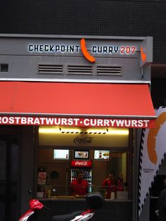 Currywurst @ Checkpoint Curry 207, Checkpoint Charlie, Berlin