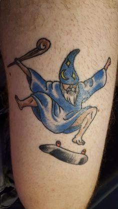 Kickflipping Wizard by Dave Nielsen at Phoenix Ink, Plantsville CT Funny Tattoos, Cool Tattoos, Tatoos, Future Tattoos, Tattoos For Guys, Wizard Tattoo, Traditional Tattoo Art, Desenho Tattoo, Lion Tattoo