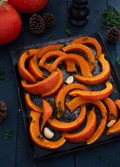 Potimarron roasted with honey and thyme Fall Recipes, Healthy Recipes, Healthy Food, Batch Cooking, Love Eat, French Food, No Cook Meals, Carrots, Sausage