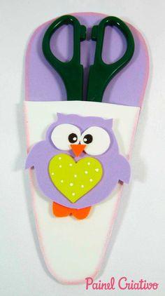 Porta tesoura de bichinhos de EVA Mothers Day Crafts, Crafts For Kids, Felt Stories, Margarita, Cactus, Projects, Meneses, Manicures, Diana